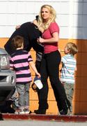 Бритни Спирс, фото 15594. Britney Spears - booty in jeans at a bowling alley in California 01/29/12, foto 15594