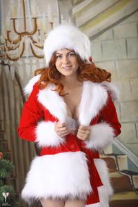 http://img14.imagevenue.com/loc240/th_531584461_silver_angels_Sandrinya_I_Christmas_1_095_123_240lo.jpg