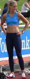 Sina Schelke Can't say that I know too much about this lady other than she is a German sprinter that runs the 200M and 400M and has one heck of a set of abs. Foto 48 (Сина Schelke Нельзя сказать, что я слишком много знаю об этой даме другим, чем она является немецкий Sprinter, который запускает 200M и 400 метров и имеет одну щеколду набор ABS. Фото 48)