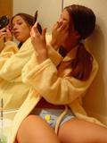 http://img14.imagevenue.com/loc292/th_1e31f_bathrobe_072.jpg