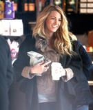 Блейк Лайвли, фото 4835. Blake Lively On the set of 'Gossip Girl' in Manhattan - March 5, 2012, foto 4835