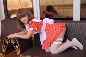 http://img14.imagevenue.com/loc354/th_104876227_tduid300163_Silver_Sandrinya_maid_1_013_122_354lo.JPG