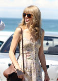 Тайлор Свифт, фото 12238. Taylor Swift Bondi Beach after breakfast at Bill Darlinghurst in Sydney - 08.03.2012, foto 12238