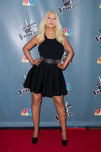 [Fotos+Videos] Christina Aguilera en la Premier de la 4ta Temporada de The Voice 2013 - Página 4 Th_986057658_Christina_Aguilera_67_122_538lo