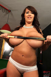 DDFBusty - Leanne Crow - Her tits alone do the job! *December 12, 2011*