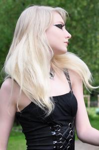 Maria Amanda - Gothic Doll [Zip]p5lr1mw4j2.jpg