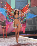 th_08084_fashiongallery_VSShow08_Show-195_122_991lo.jpg